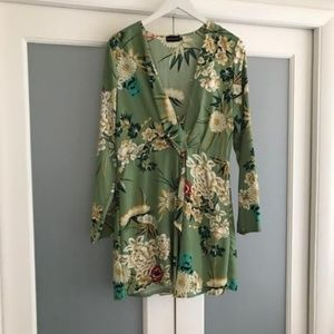 PrettyLittleThing Dresses - Pretty Little Things mini Floral Dress